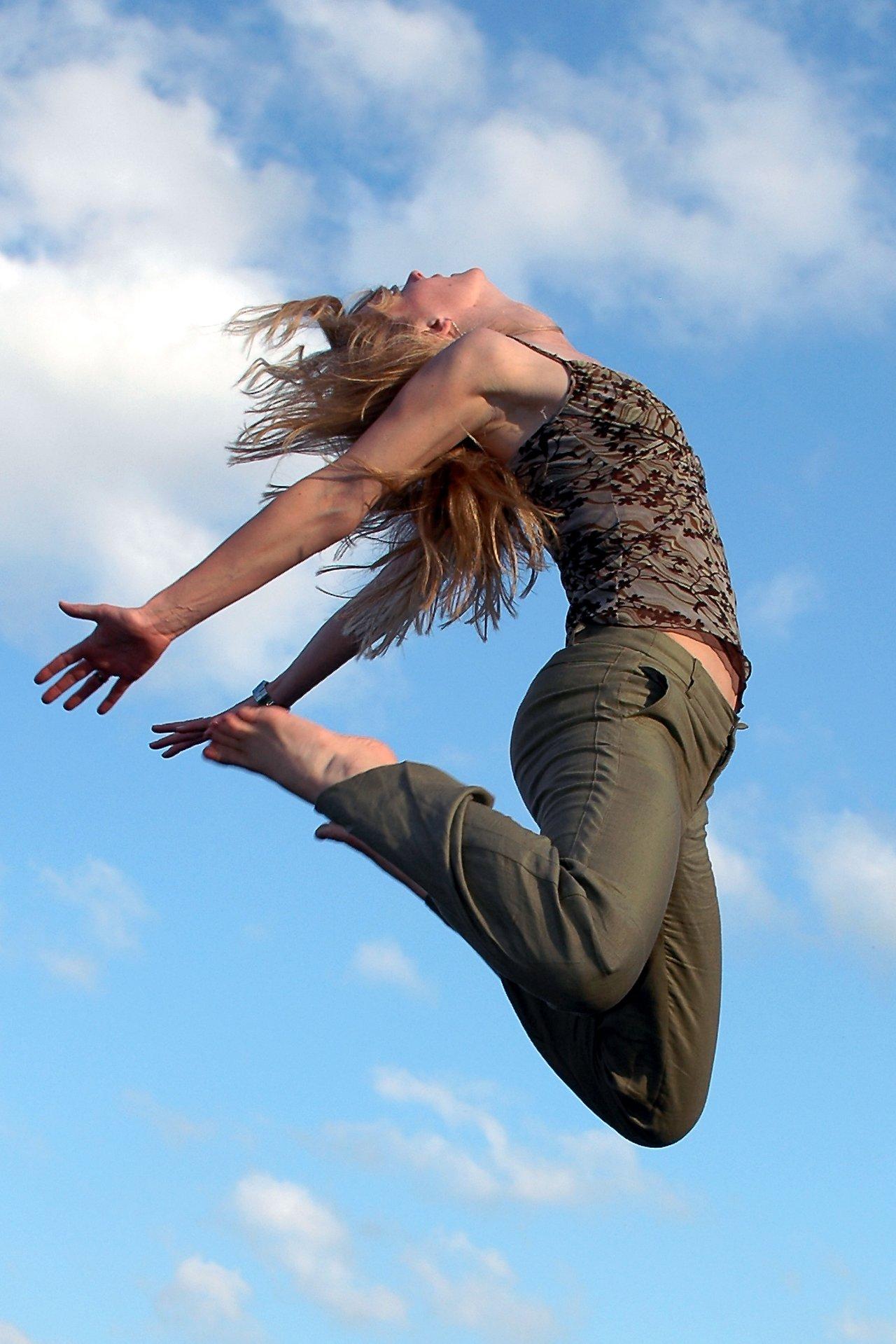 Karlijn in mid air