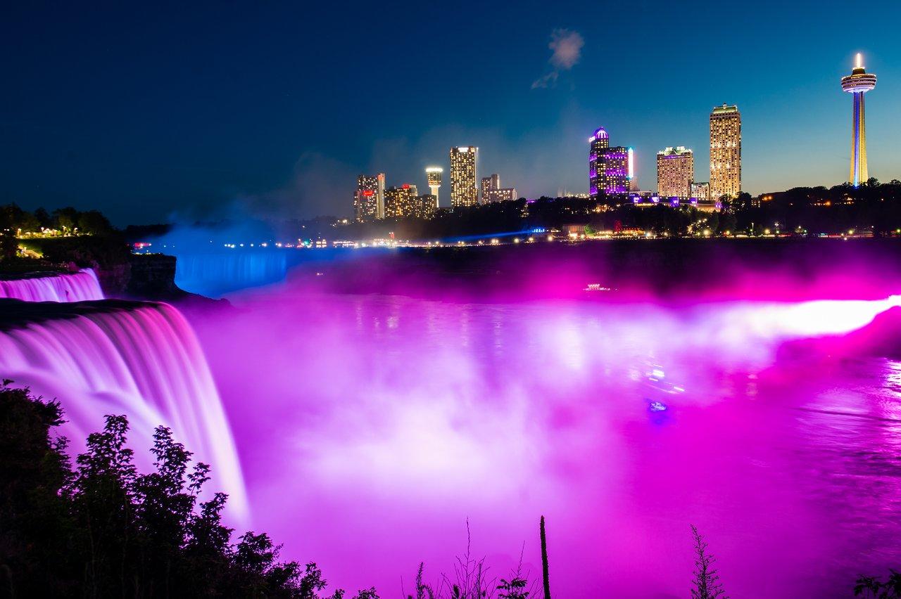 The Niagara Falls look stunning at night